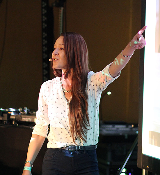 Martina Mitz - UX/UI Design Instructor at Brainster : Don't forget the big picture!